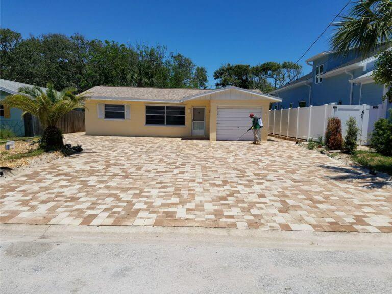 Driveway New Smyrna Beach Amaretto brick pavers